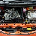 comment débrancher batterie voiture